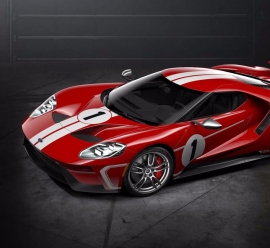 Ford GT '67 Heritage Edition – z Le Mans w tle