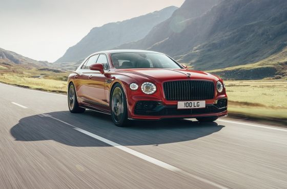 Bentley Flying Spur z V8 pod maską: