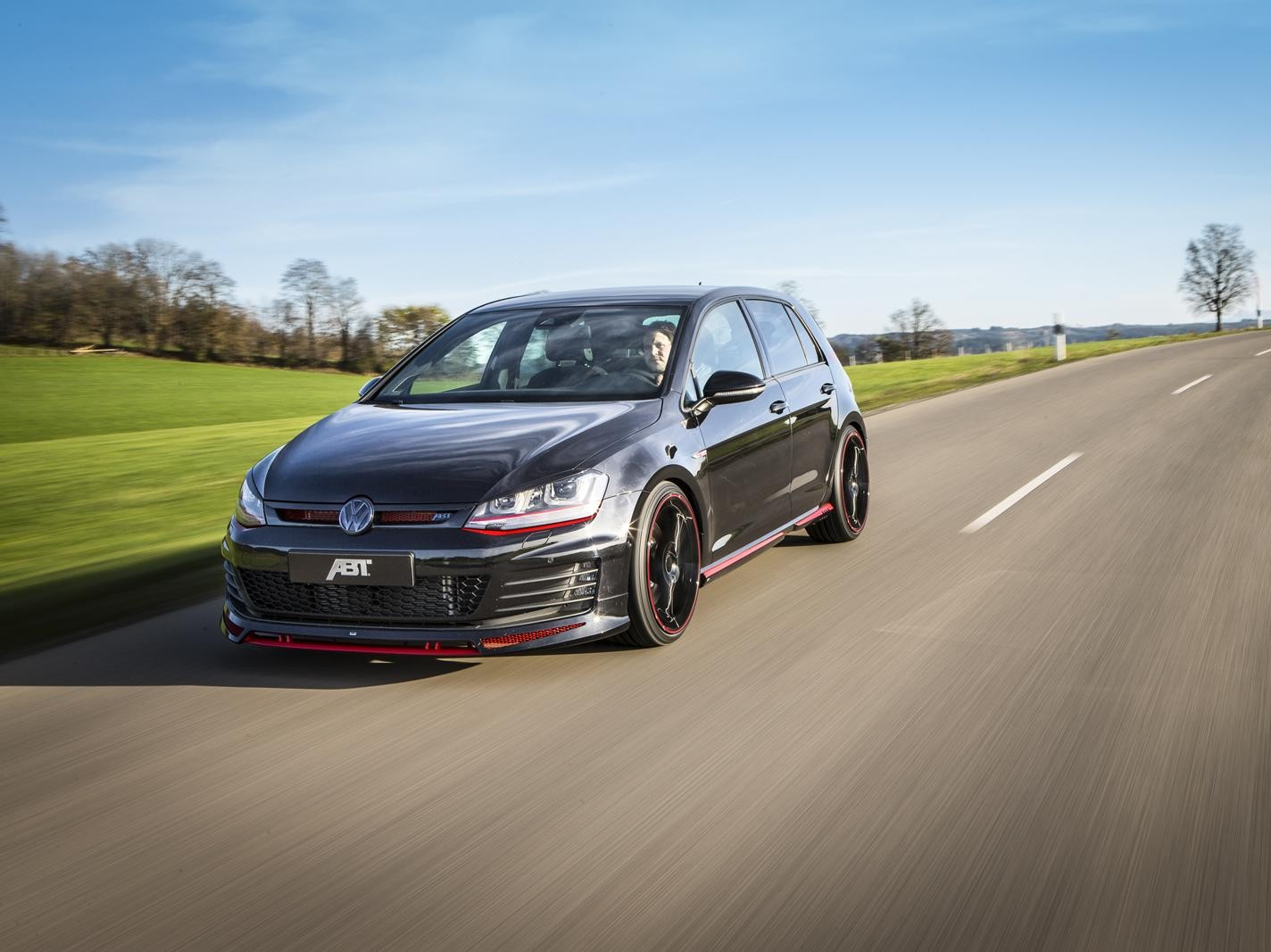 Volkswagen Polo R WRC i Golf VII GTI Dark Edition: tuning ABT