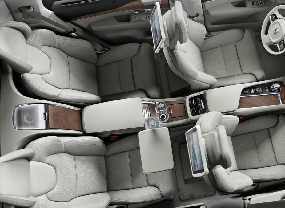 Volvo XC90 Excellence: SUV SPA
