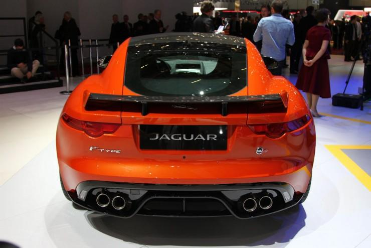 Jaguar F-Type SVR 2016