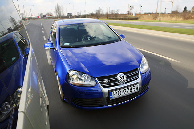 VW Golf R32 – Pod parą