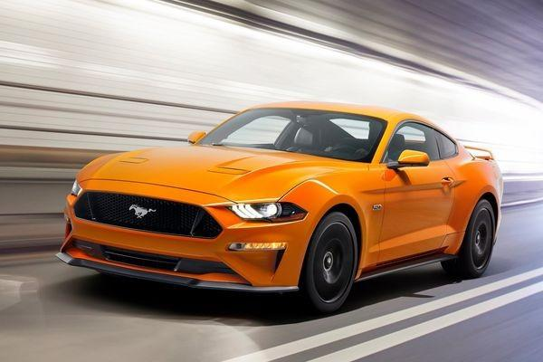 Ford Mustang face lifting