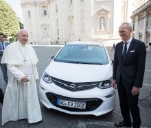 Opel Ampera-e nowym... papamobile