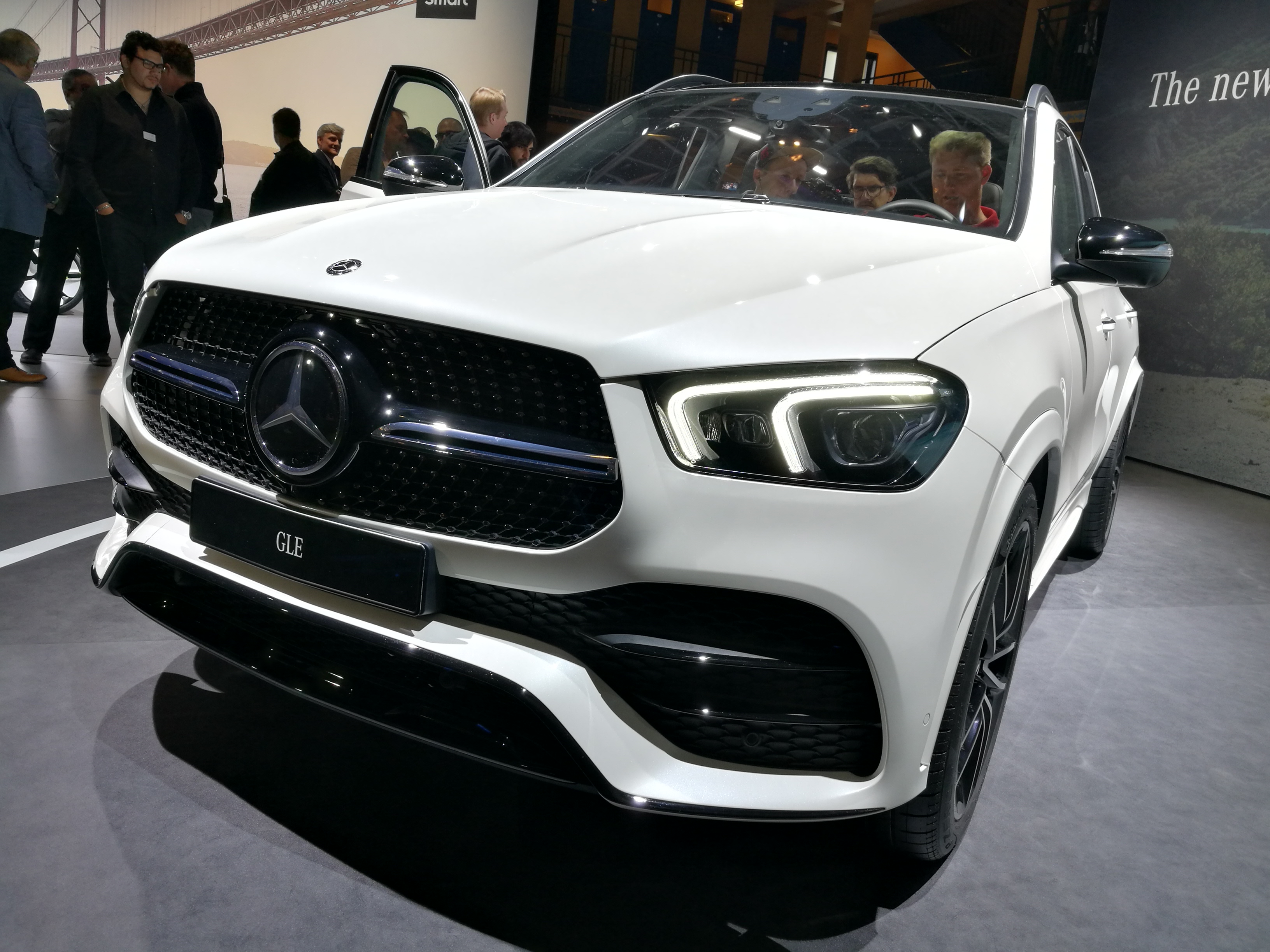 mercedes gle paris motor show 2018 w auto motor i sport. Black Bedroom Furniture Sets. Home Design Ideas
