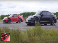Porsche 911 Turbo S vs Porsche Taycan Turbo S