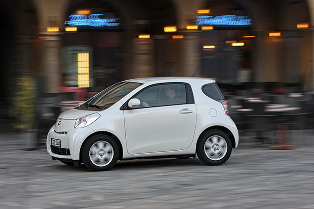 Toyota iQ – Clever Forever