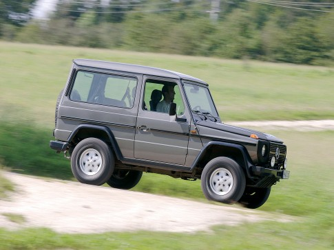 Mercedes G i Land Rover